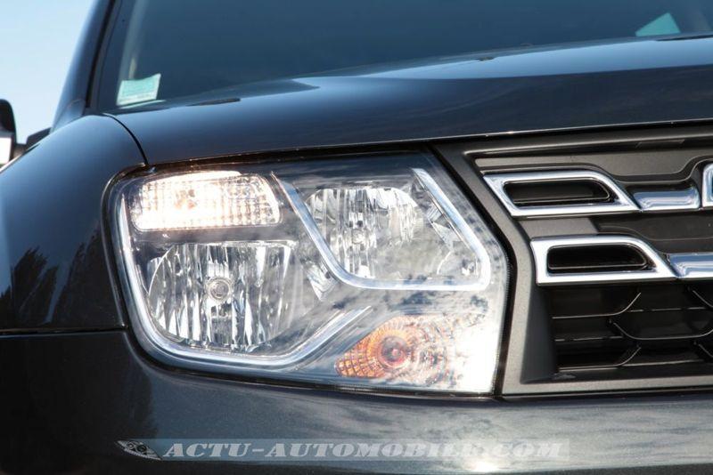 Phare avant Dacia Duster restylé
