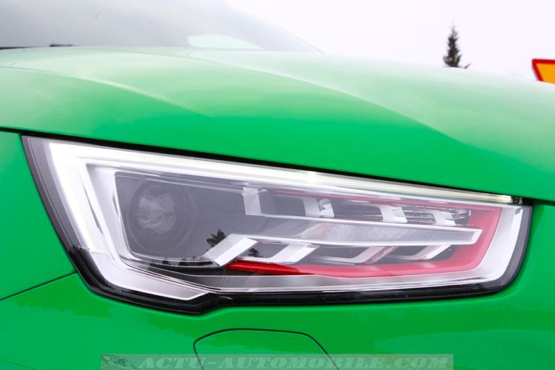 Feu avant Audi S1