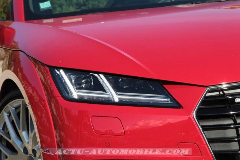 Phares avant Matrix Audi TT