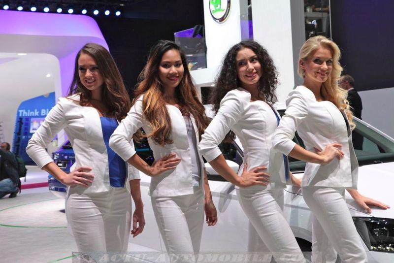 Les hôtesses du Mondial de Paris 2014