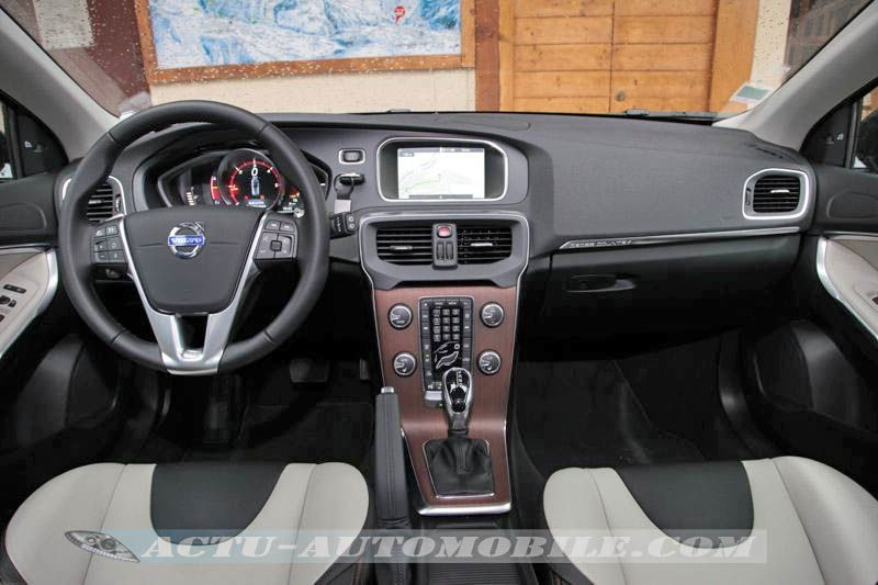 Planche de bord Volvo V40 Cross Country