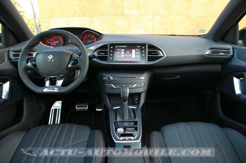 Tableau de bord Peugeot 308 GT