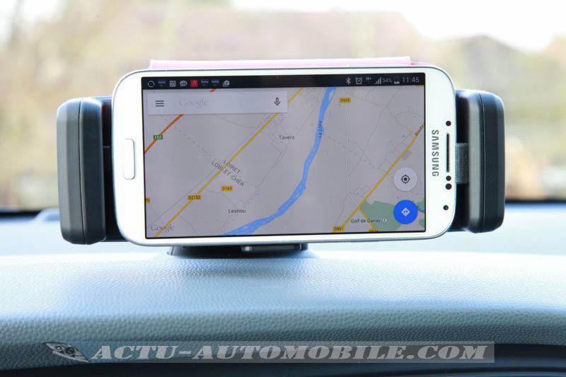 Support pour smartphone sur Hyundai i20