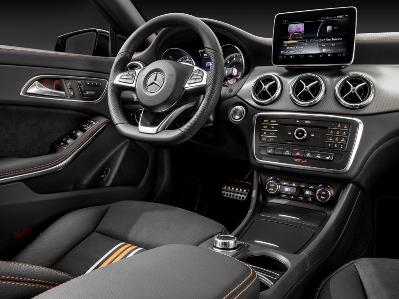Mercedes CLA Shooting Brake Orange Art Edition