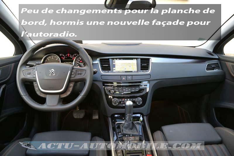 Tableau de bord Peugeot 508 RXH 2015