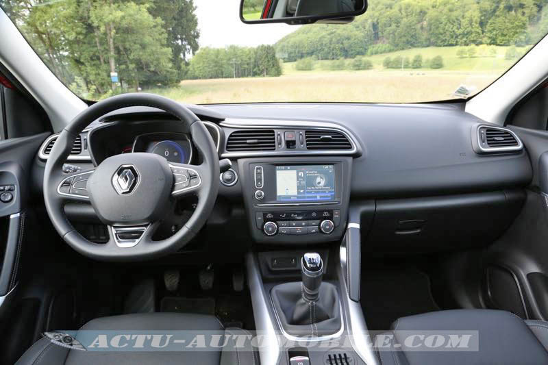 essai renault kadjar tce 130 le trouble f te. Black Bedroom Furniture Sets. Home Design Ideas