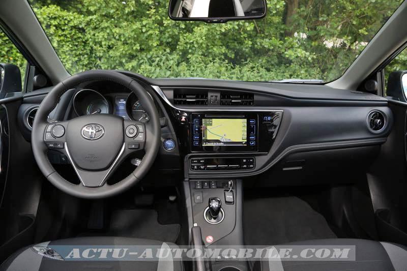 Planche de bord nouvelle Toyota Auris