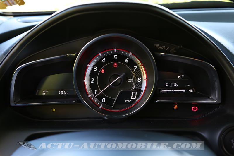 Compteurs Mazda CX-3