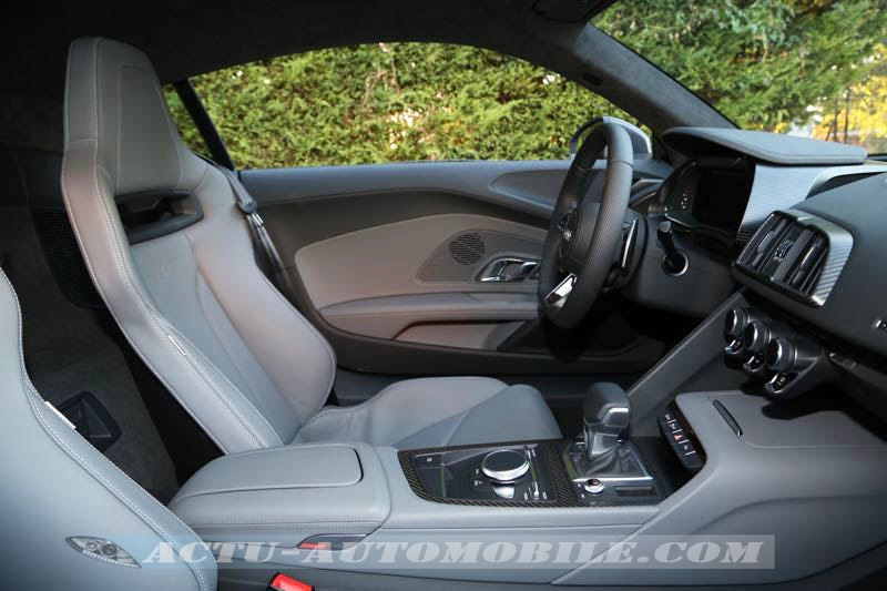 Intérieur de la nouvelle Audi R8 V10 Plus