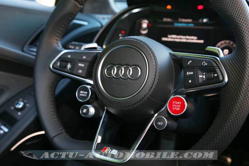 Volant de la nouvelle Audi R8 V10 Plus