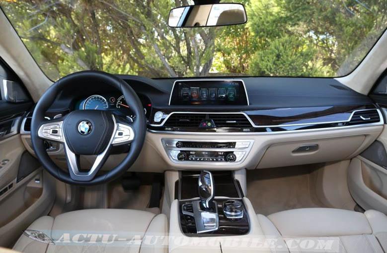 Planche de bord nouvelle BMW Série 7