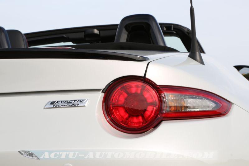 Feu arrière nouveau Mazda MX-5