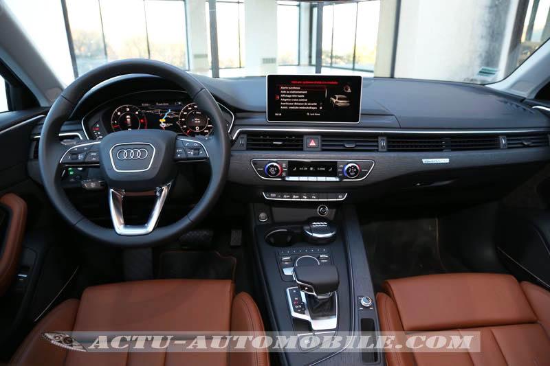 Planche de bord de la nouvelle Audi A4
