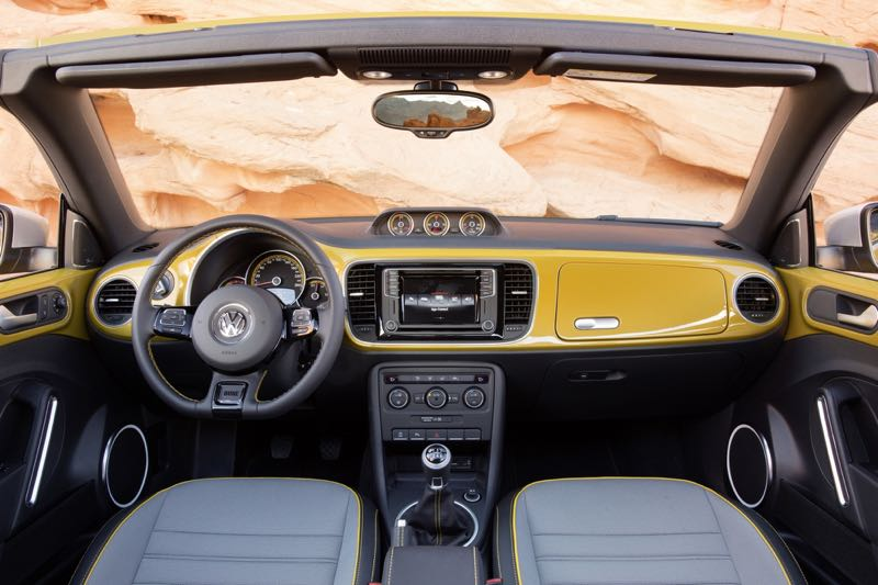 volkswagen coccinelle dune premi re l a actu automobile. Black Bedroom Furniture Sets. Home Design Ideas