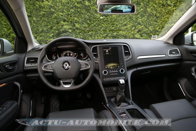 Planche de bord de la nouvelle Renault Mégane Intens