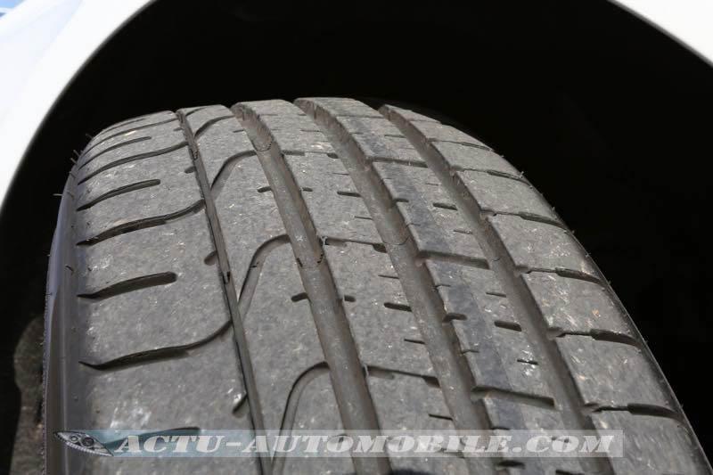 Bande de roulement du pneumatique Pirelli P Zero