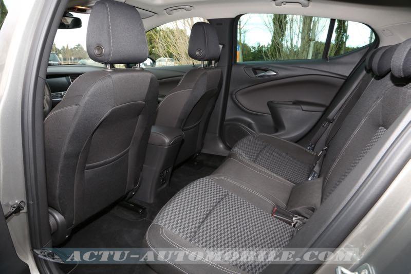 Banquette arrière de la nouvelle Opel Astra