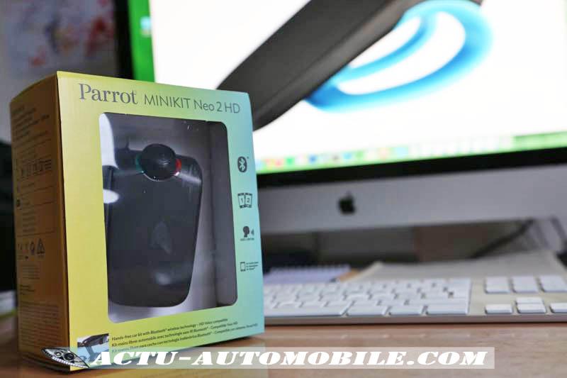 Téléphoner légalement en voiture : Minikit Parrot Neo 2 HD