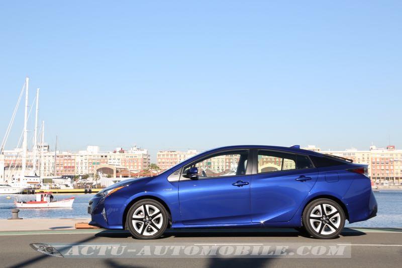 Profil de la nouvelle Toyota Prius