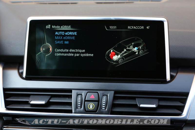 Ecran avec modes eDrive du BMW 225xe Active Tourer