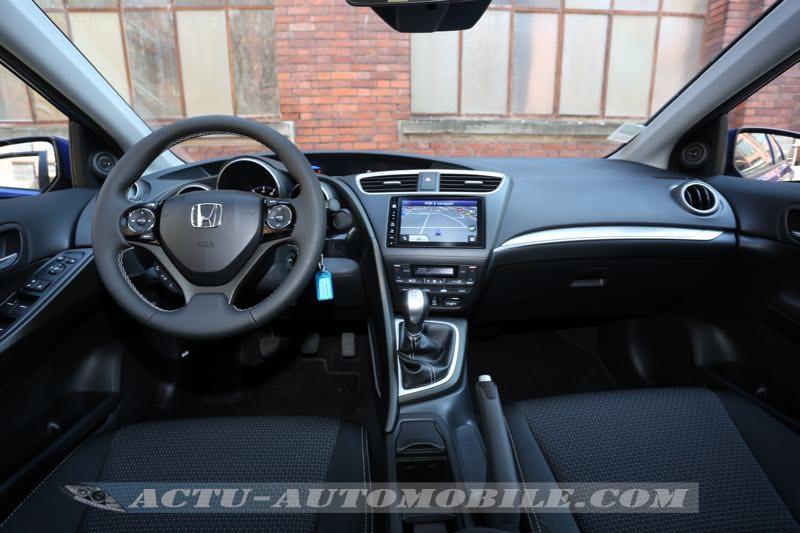 Planche de bord de la Honda Civic restylée
