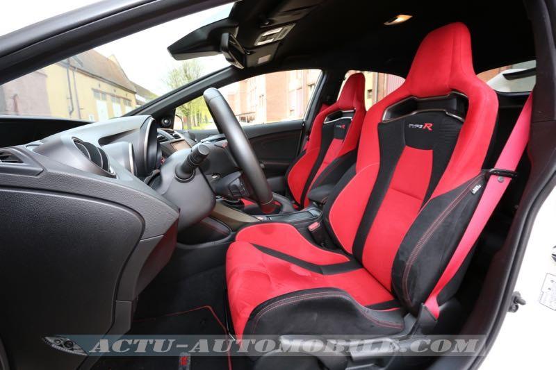 Sièges avant de la Civic Type R