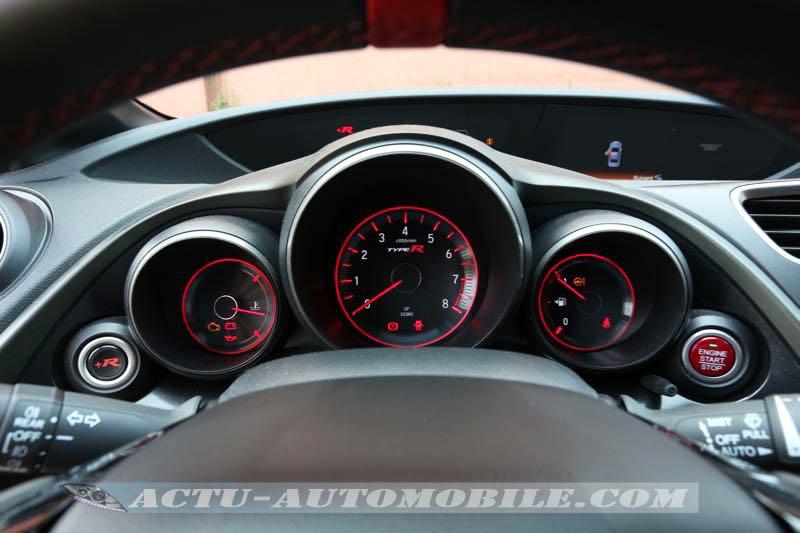 Compteurs de la Honda Civic Type R