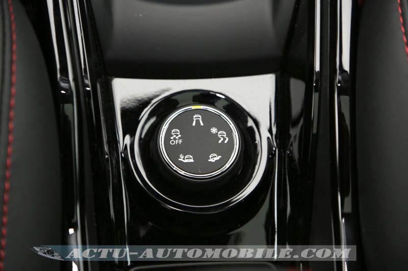 Molette de Grip Control sur le Peugeot 2008