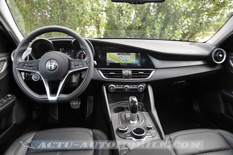 Planche de bord de l'Alfa Romeo Giulia