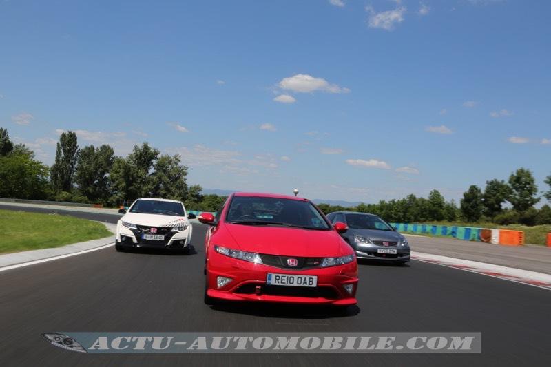 La Honda Civic Type R FN2 devant ses compères