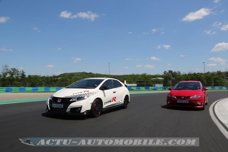 Deux générations de Honda Civic Type R