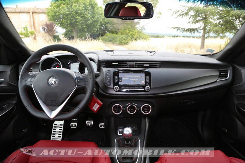 Planche de bord Alfa Romeo Giulietta restylée