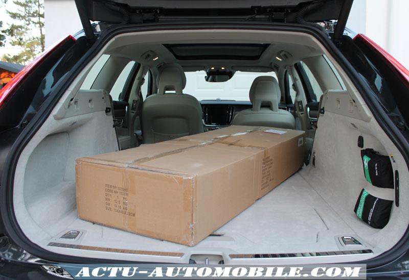 Le coffre le Volvo V90 offre une très belle contenance (560/ 1526 dm3).
