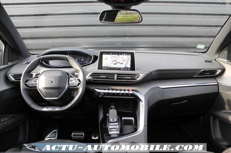 Tableau de bord Peugeot 3008 GT