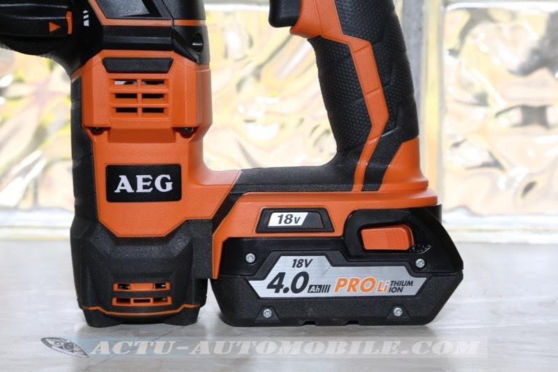 test du perforateur AEG Powertools BBH 18 LI-402C
