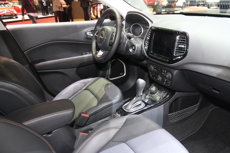 gen ve 2017 nouveau jeep compass actu automobile. Black Bedroom Furniture Sets. Home Design Ideas