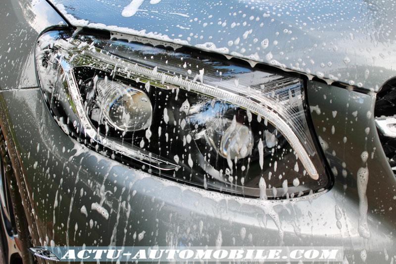 Opération de nettoyage avec le shamppoing Carnauba - Mirror Bright