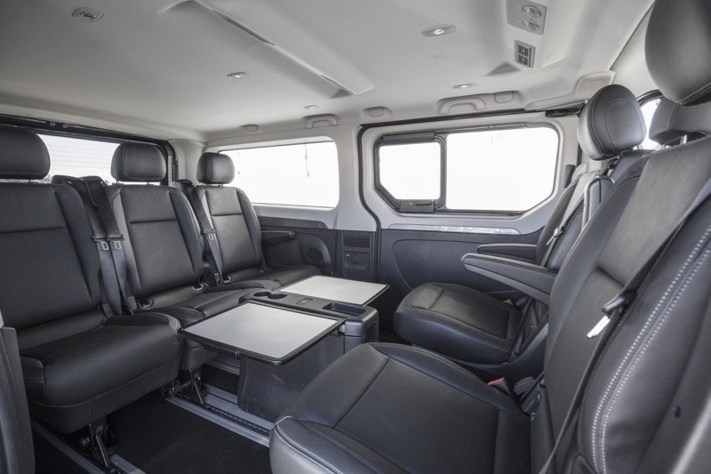 Renault trafic spaceclass navette vip actu automobile for Renault trafic interieur