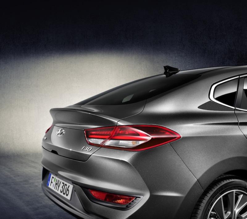 nouvelle hyundai i30 fastback actu automobile. Black Bedroom Furniture Sets. Home Design Ideas