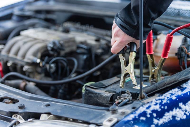 Entretenir ou remplacer sa batterie avant l'hiver