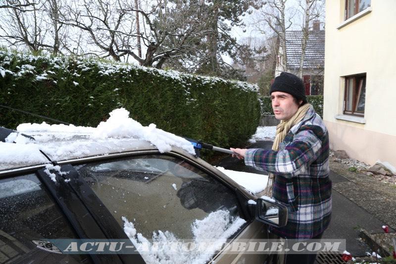 Balai et pelle à neige Michelin