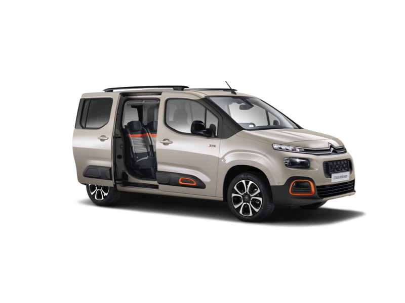 suzuki jimny second with Nouveau Citroen Berlingo 2018 Les Photos Officielles on 8 Vintage Suvs We Want Right Now likewise Suzuki Jimny Sierra 1 3i M White Wrecking In Sydney besides New Lada Niva For 2018 Could It Be besides Daihatsu Bego in addition Nouveau Citroen Berlingo 2018 Les Photos Officielles.