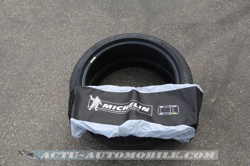 Housses de roue et pneus Michelin