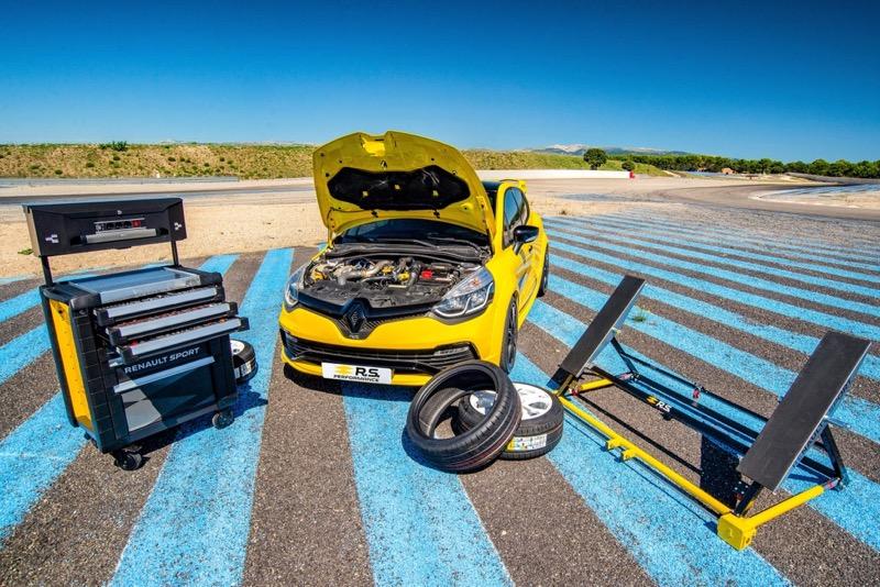 Accessoires R.S Performance : l'esprit Renault Sport