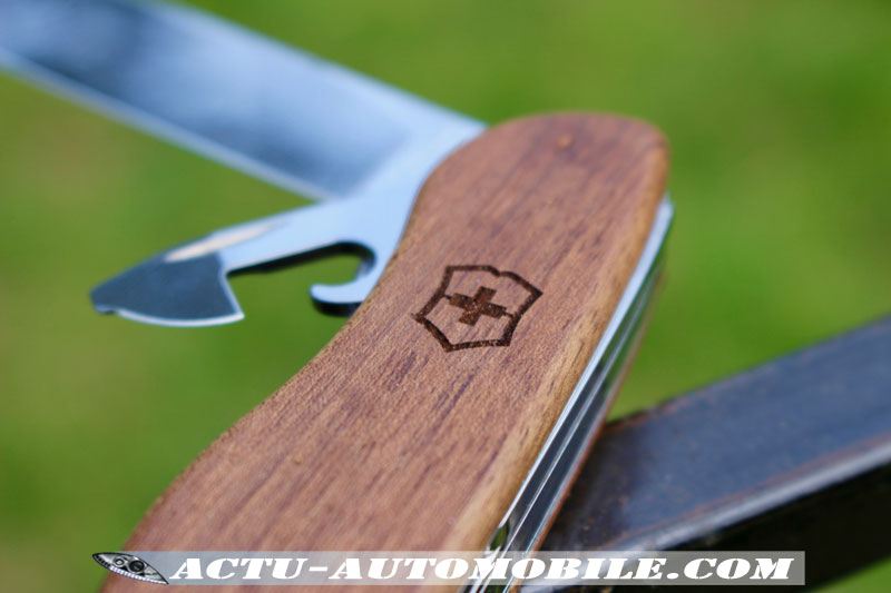 Victorinox Forester WOOD