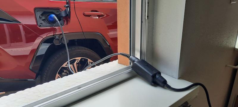 Une recharge sur prise domestique pourra être faite assez facilement lors de déplacements